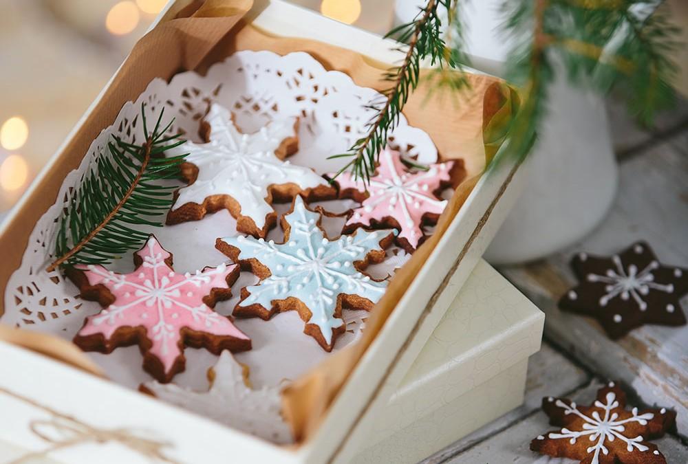 Decorì presenta la ricetta per biscotti natalizi decorati, perfetti per essere personalizzati