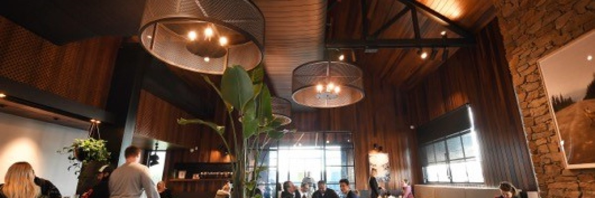 La prima caffetteria in tulipier americano termicamente modificato a Melbourne