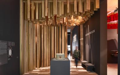 DESIGN MUSEUM: UN PADIGLIONE IN TULIPIER AMERICANO PER IL DAVID ADJAYE: MAKING MEMORY