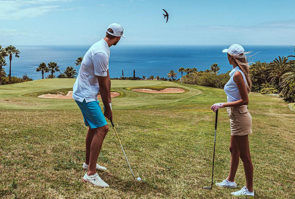 """La """"stagione del golf"""" alle Isole Canarie dura 365 giorni all'anno: ecco i green più belli a due passi dal mare"""