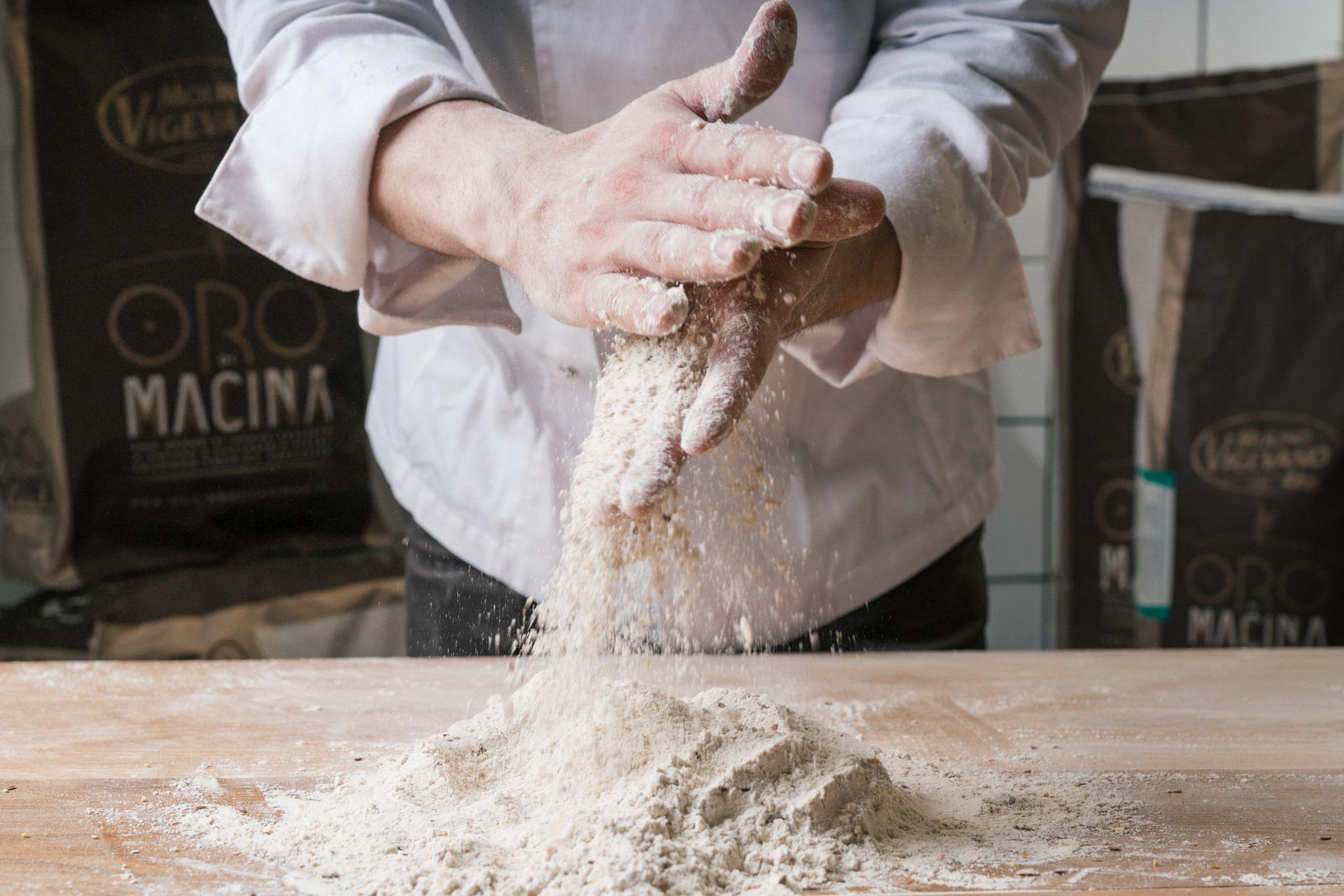L'identikit della pizza perfetta: Mozzarella fiordilatte, pomodoro San Marzano e impasto di farina tipo 1 o 0