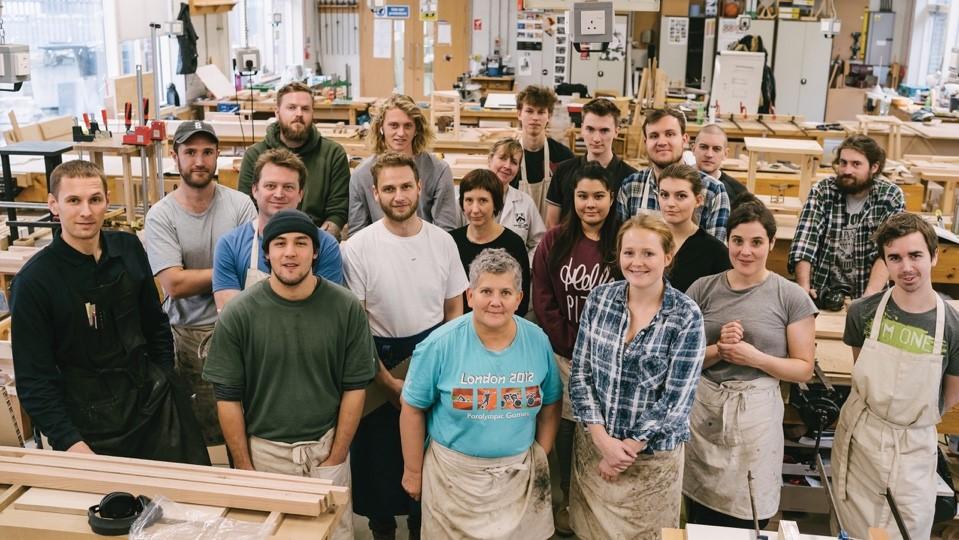 Un innovativo progetto degli studenti del Building Crafts College con la quercia rossa americana donata da AHEC